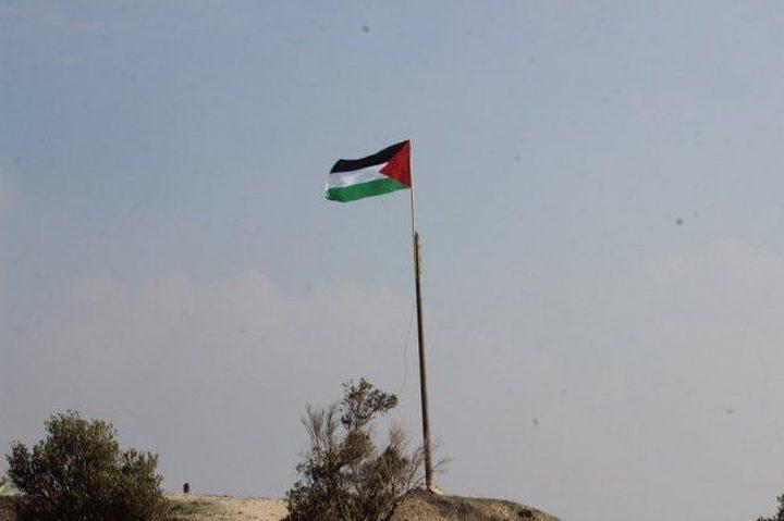 الاحتلال يزيل العلم الفلسطيني من سبسطية