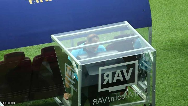 فرنسا تعتمد تقنية الـ VAR مع بداية الموسم