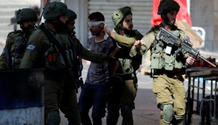 خمسة أسرى يتعرضون للضرب والتنكيل أثناء اعتقالهم
