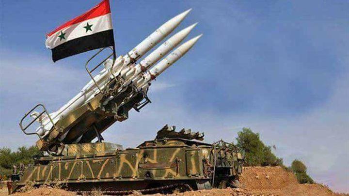 """الدفاعات السورية تتصدى لـ""""هدف معاد"""" غرب دمشق"""