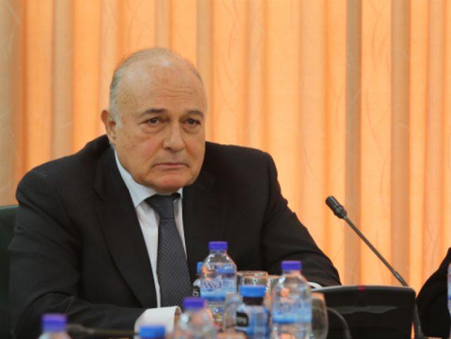 """وزير المالية:الحكومة السابقة تركت """"الجمل بما حمل"""""""