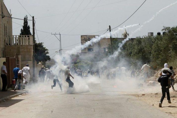 إصابات بالاختناق بغاز الاحتلال في طورة جنوب جنين