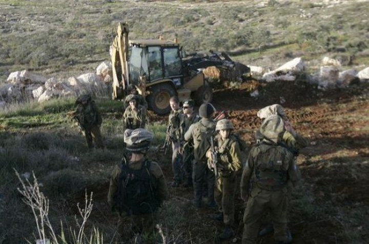 الاحتلال يشرع بتجريف أراض جنوب بيت لحم