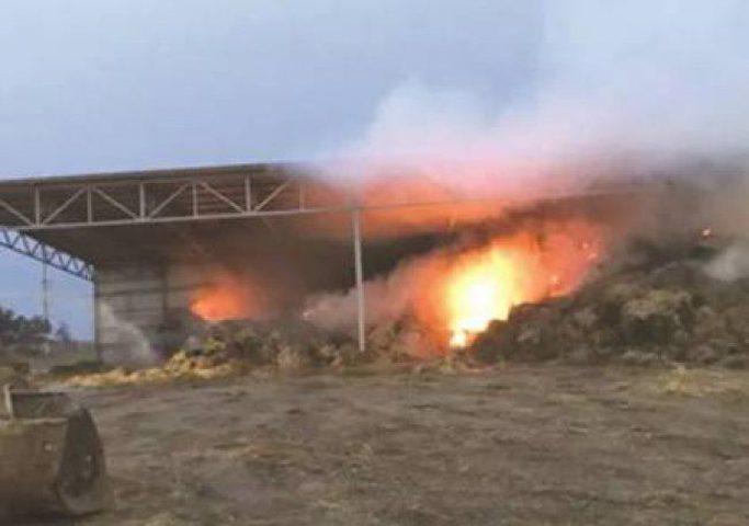 اندلاع حريق داخل السياج الفاصل شرق غزة