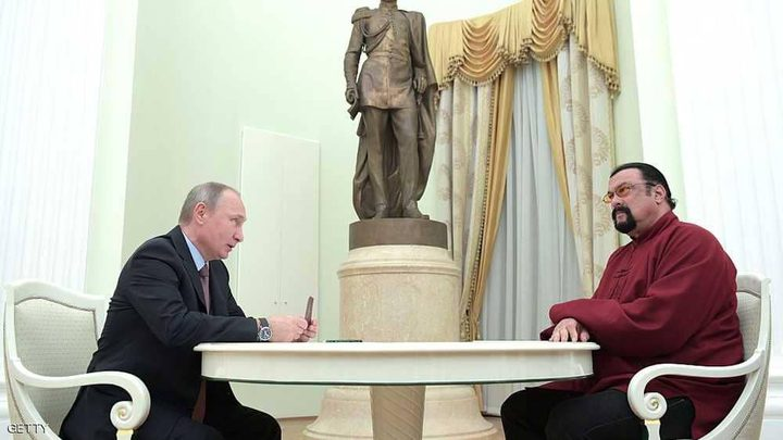 """روسيا تكلف ستيفن سيغال بـ """"مهمة مستحيلة"""""""
