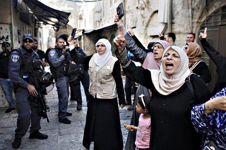 قوات الاحتلال تحتجز هويات النساء في المسجد الأقصى
