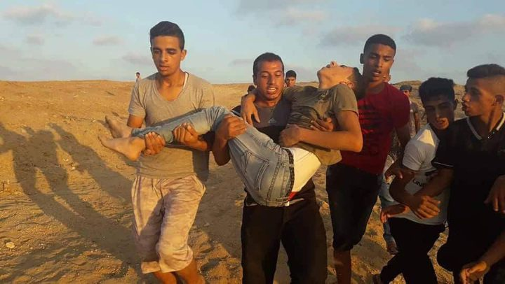 إصابة  فتى برصاص الاحتلال شرق مخيم البريج