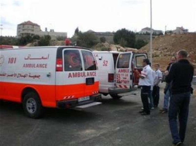 إصابة خمسة مواطنين في حادثين منفصلين بالخليل