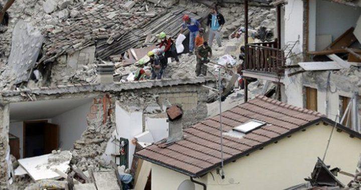 ارتفاع حصيلة قتلى زلزال إندونيسيا إلى 82 شخصًا
