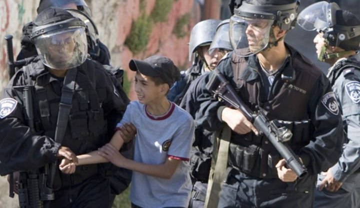الاحتلال يجبر أطفالا على الاعتراف تحت التعذيب