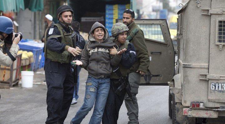 السجن 18 شهراً وغرامة مالية لطفل في سجون الاحتلال