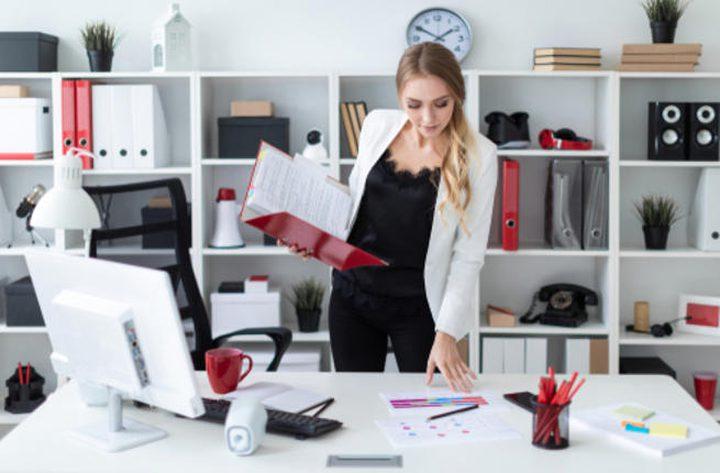 دراسة: العمل وقوفاً في المكاتب.. يطيل العمر!