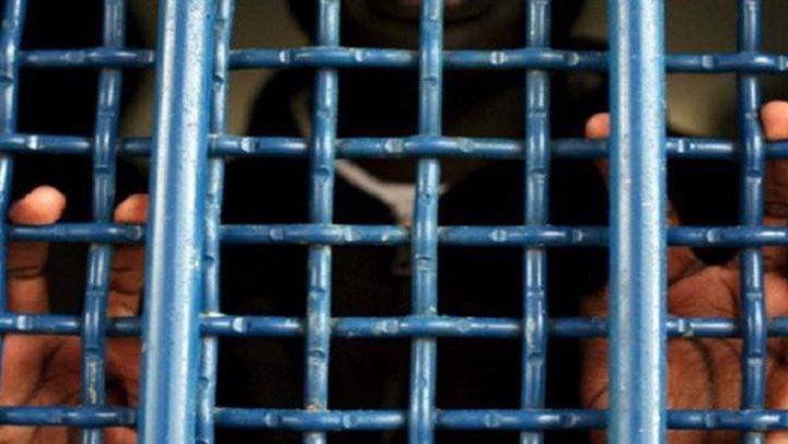 الأسير عمران الخطيب يشرع بإضراب مفتوح عن الطعام