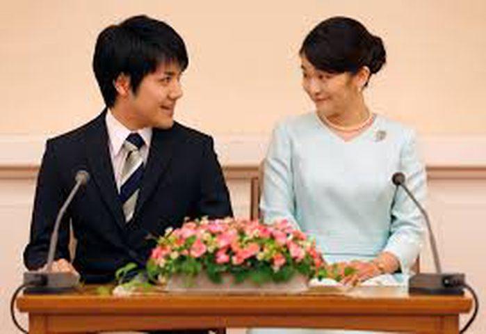 """زفاف الأميرة اليابانية سيتأجل.. والسبب """"الديون"""""""