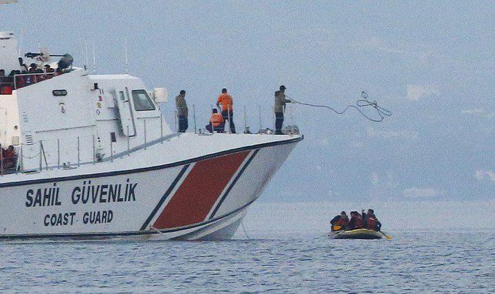 تركيا: خفر السواحل ينقذ 26 مهاجرا فلسطينيا وسوريا