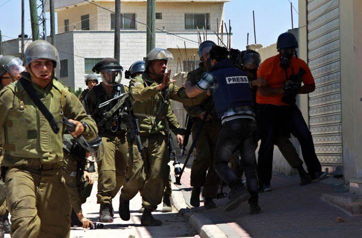 الاحتلال يعتدي على طاقم تلفزيون فلسطين في كفر قدوم