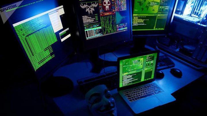 تحذيرات من  خطورة اختراق الأقمار الصناعية