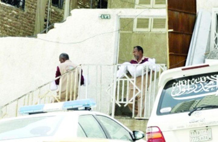 السعودية: أم تلقي بناتها الثلاث من الطابق السابع