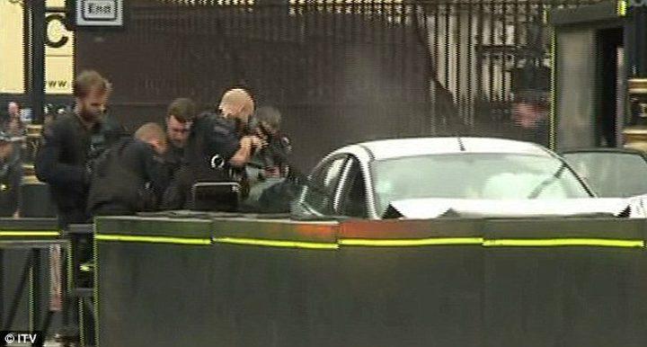 الشرطة البريطانية االحادث قرب البرلمان عمل ارهابي
