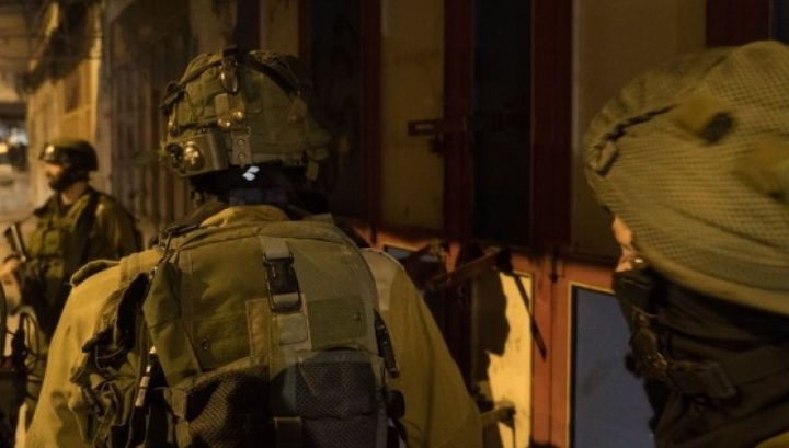 الاحتلال يعتقل 3 شبان شرق نابلس