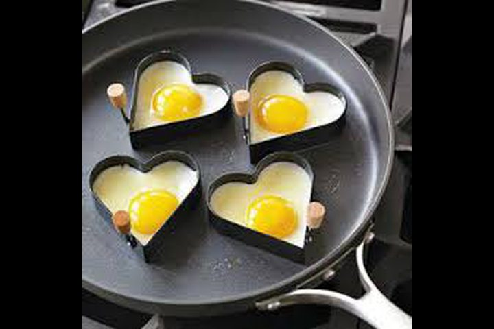 إحذروا.... نحن نقلي البيض بشكل خاطئ!