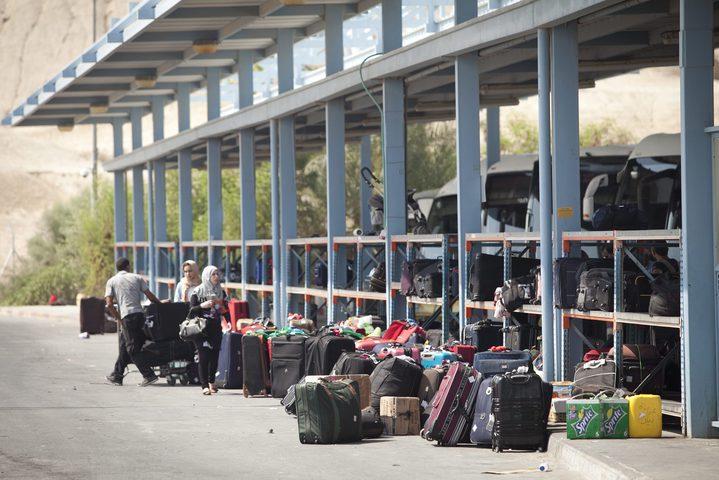 """""""الشاباك"""" منع دخول 250 شخصا إلى الأراضي المحتلة"""