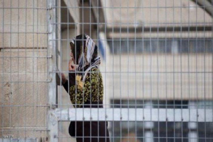 محكمة الاحتلال تمدد اعتقال ثلاث أسيرات من الخليل