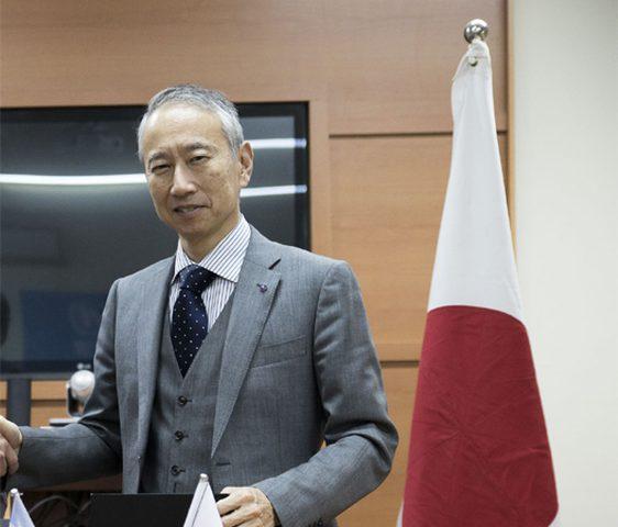 """السفير الياباني يزور مدينة غزة الصناعية """"بيدكو"""""""