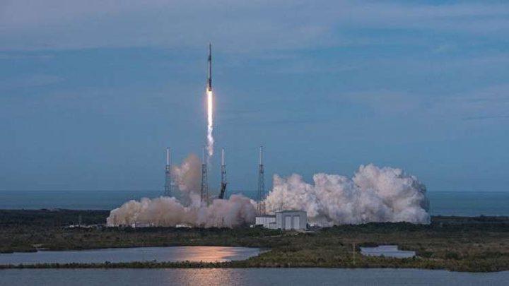 """ناسا"""" توافق على تعبئة صواريخ فالكون 9 بالوقود"""