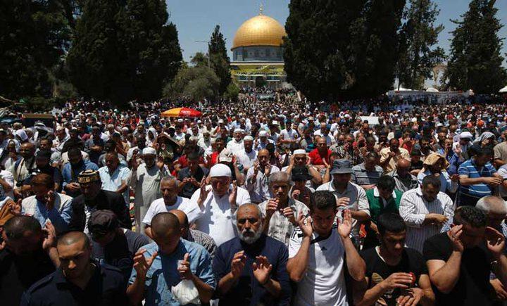 الرئيس يدعو إلى اقتصار العيد على الشعائر الدينية