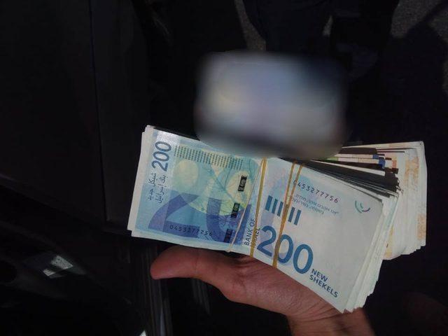 اعتقال مقدسي بشبهة تلقيه أموال من حماس