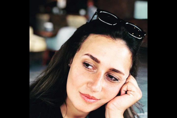 بسبب التجريح بعد خلع الحجاب حلا شيحة تحذف التعليق!