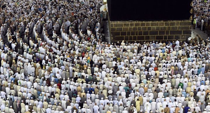 مصر الأولى عربيا في وفيات الحجيج