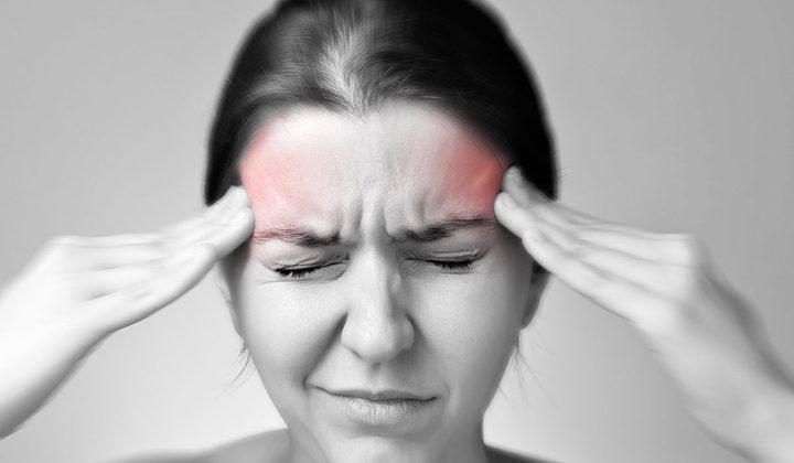 8 عادات خاطئة تسبب الصداع.. حاول تجنبها