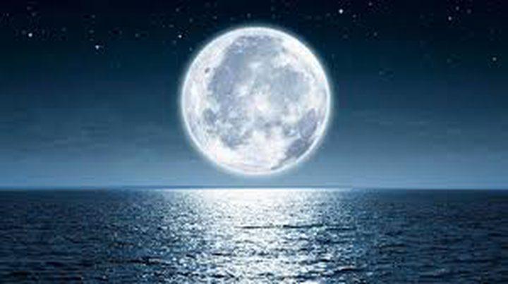 اكتشاف مياه على سطح القمر