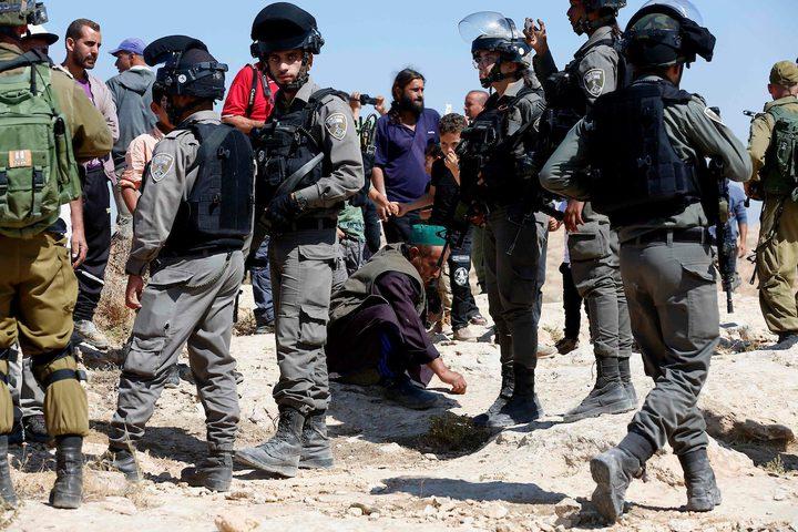 قوات الاحتلال تقمع مسيرة سلمية في نعلين