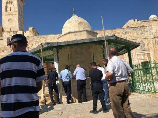 الاحتلال يعتقل 4 موظفين من دائرة الأوقاف في الأقصى