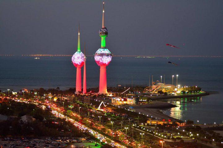 الكويت تُلغي عقود عمل لثلاثة آلاف وافد