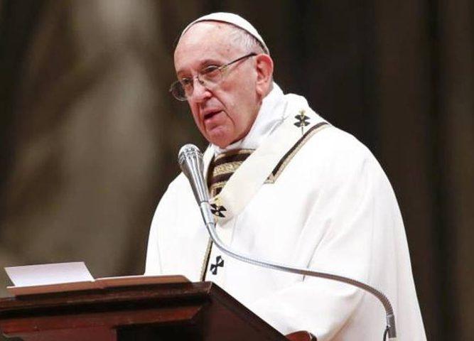مسؤول سابق بالفاتيكان يدعو البابا للاستقالة