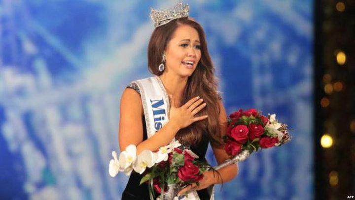 ملكة جمال دنفر لعام 2018 تتخلى عن تاجها