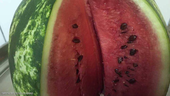 علامة لا تخطئ لاختيار البطيخة الحمراء