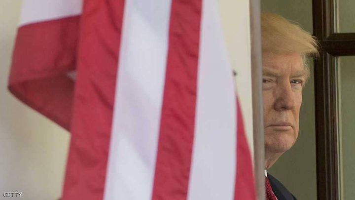 ترامب يأمر بتنكيس الأعلام حدادا على مكين
