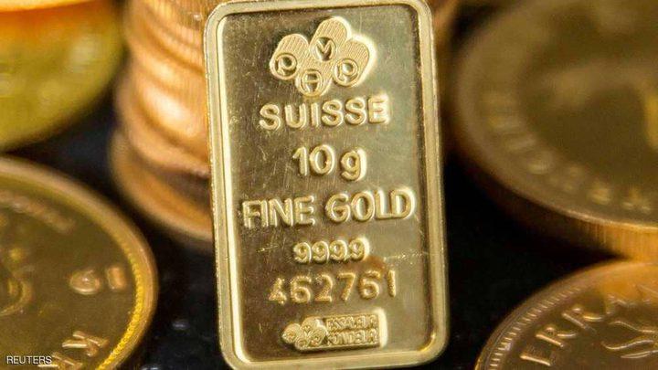 الذهب يحوم فوق 1200 دولار