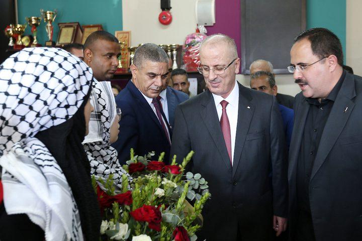 حضور رئيس الوزراء الفلسطيني الدكتور رامي حمدالله  افتتاح العام الدراسي الجديد في مدرسة بنات العقبة في مدينة طوباس بالضفة الغربية