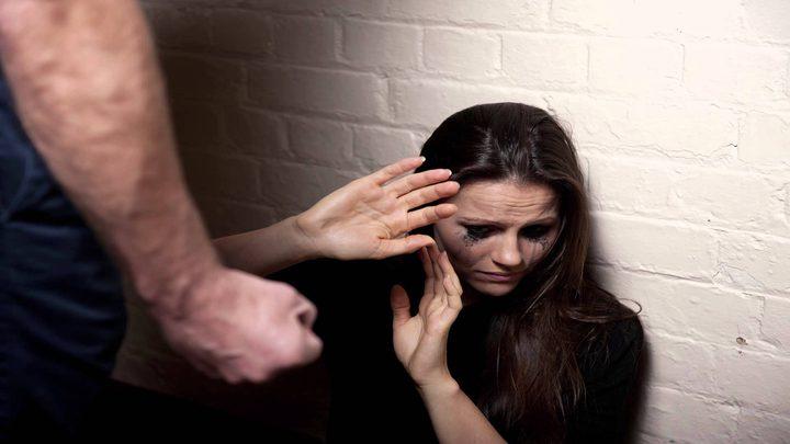"""إطلاق حملة """"من بيت لبيت"""" لمناهضة العنف ضد المرأة"""