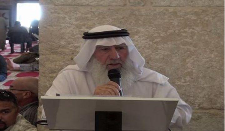 مواطنون يعتصمون احتجاجاً على اعتقال الشيخ عميرة