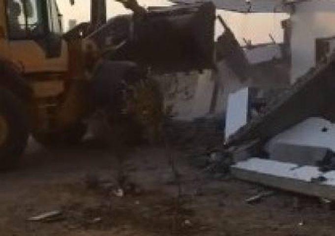 الاحتلال يهدم منزلاً بمنطقة النقب