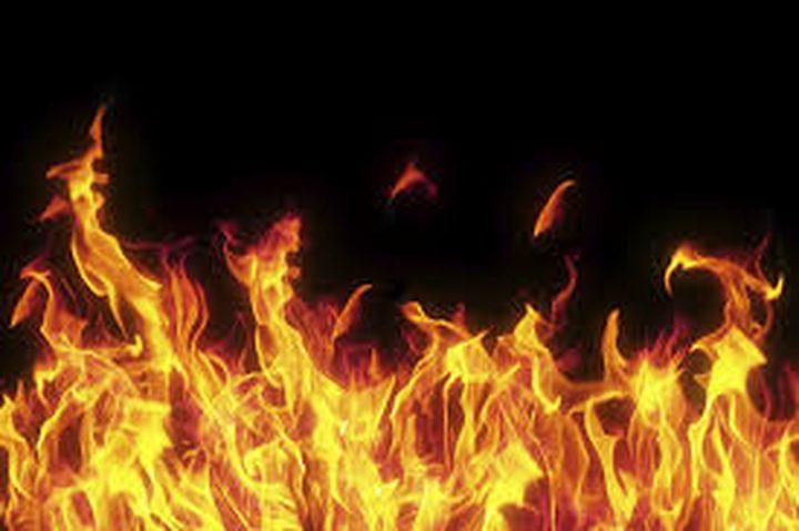 حرقت زوجها ونفسها بعد معركة عنيفة