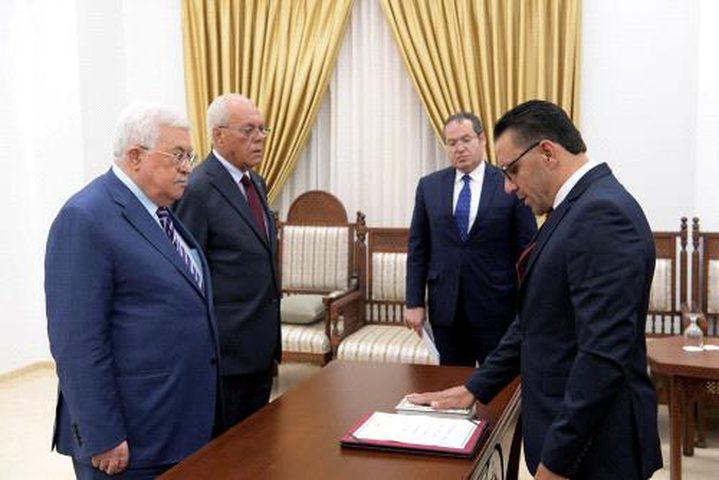 عدنان غيث يؤدي اليمين القانونية أمام الرئيس