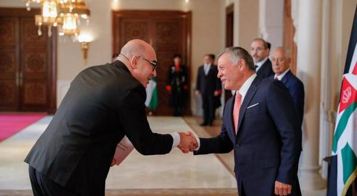 """العاهل الأردني يتقبل أوراق اعتماد سفير """"إسرائيل"""""""